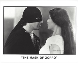 Mask of Zorro Antonio Banderas Catherine Zeta Jones 8x10 Press Photo - $9.99