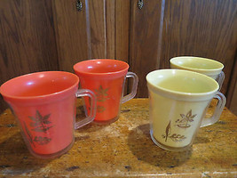 4 Vintage Plastic Thermal Insulated Mugs 2 Orange 2 Yellow Gold Leaves MCM - $17.74
