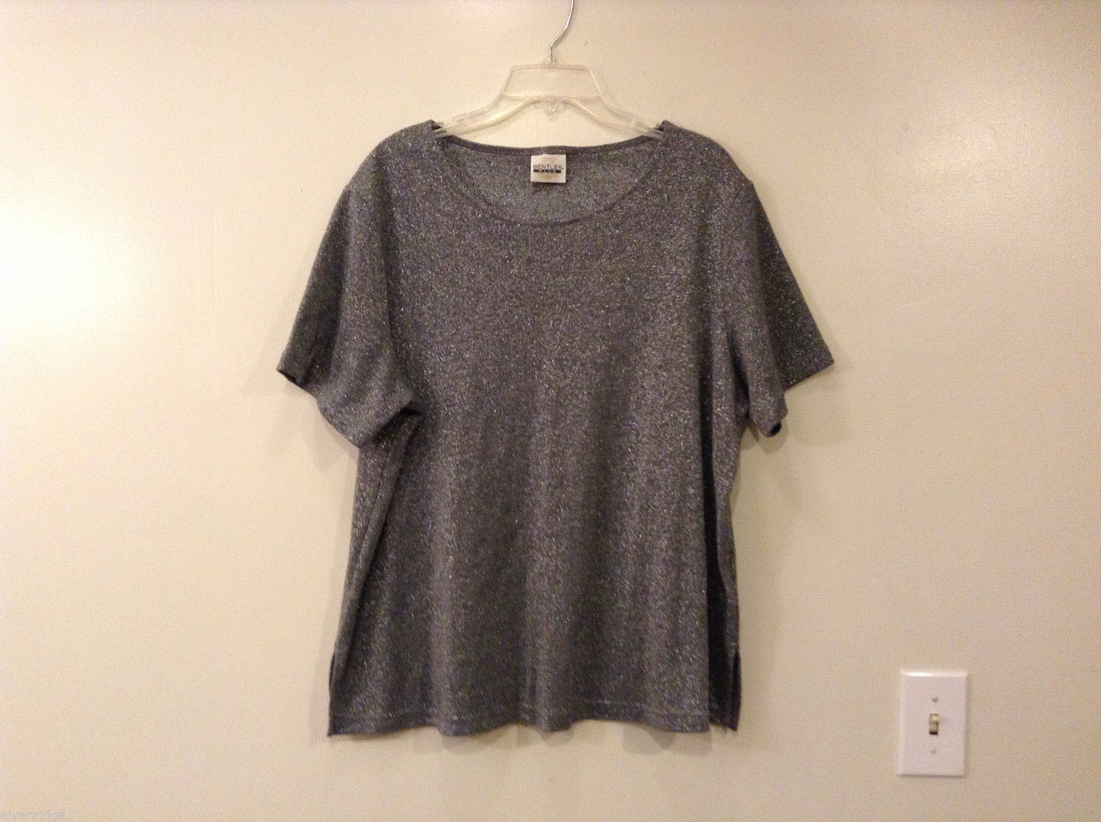 Bentley Plus Gray Silver Metallic T-shirt Blouse, Size XL (but no tag)