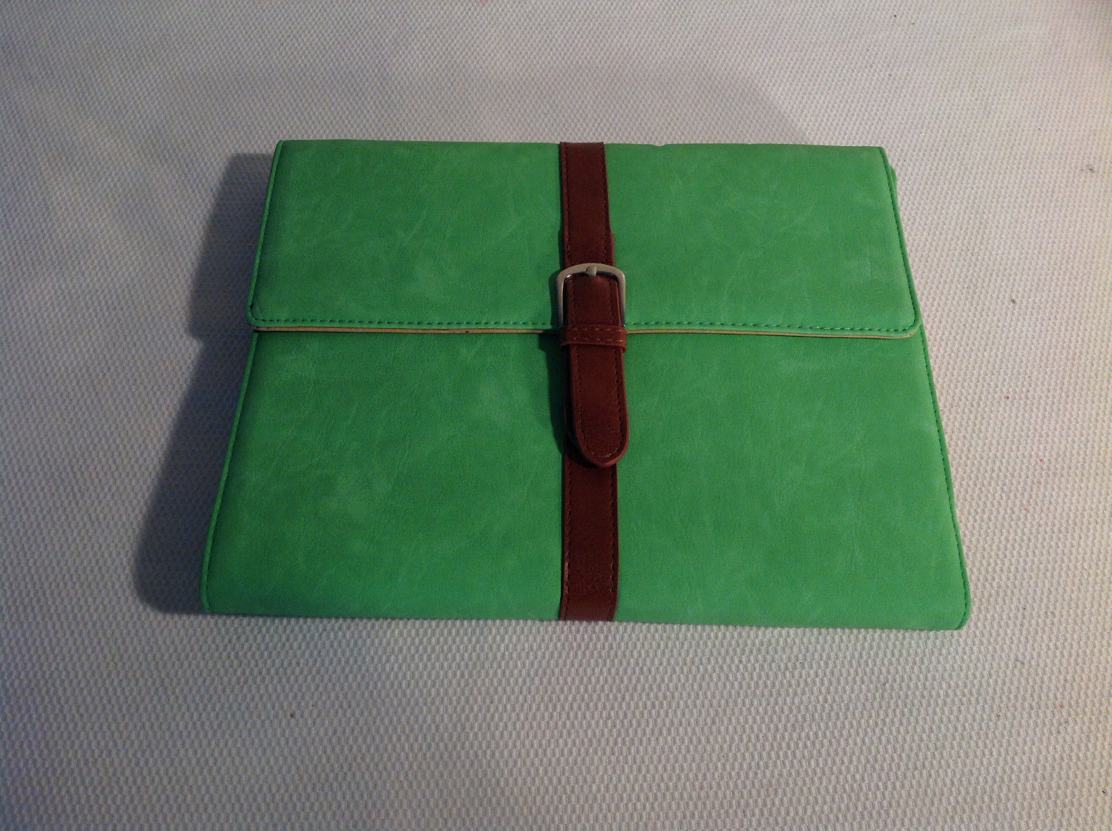 Bright Green Folio Style Tablet/Ipad Case, faux leather
