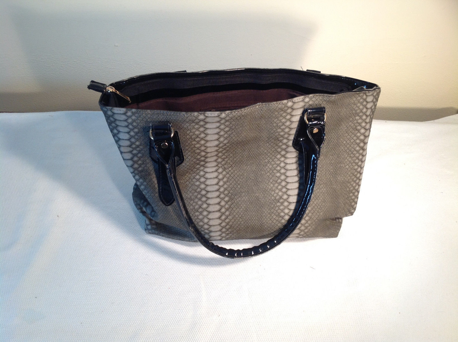 Womens Grey Mad Style Faux Reptile Leather Bag/Pocketbook/Tote NEW