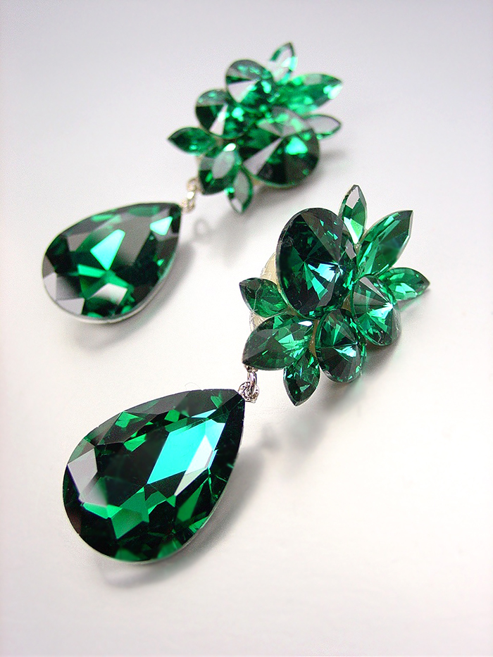 Primary image for STUNNING Emerald Green Czech Crystals CLIP Dangle Earrings Prom Pageant Bridal