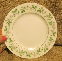 Nice Vintage Fine China Garland Pattern 8672 Dessert Plates X4 Japan - $14.99