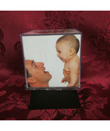 Sarah Peyton Motorized Revolving Photo Cube New In Box - $5.99