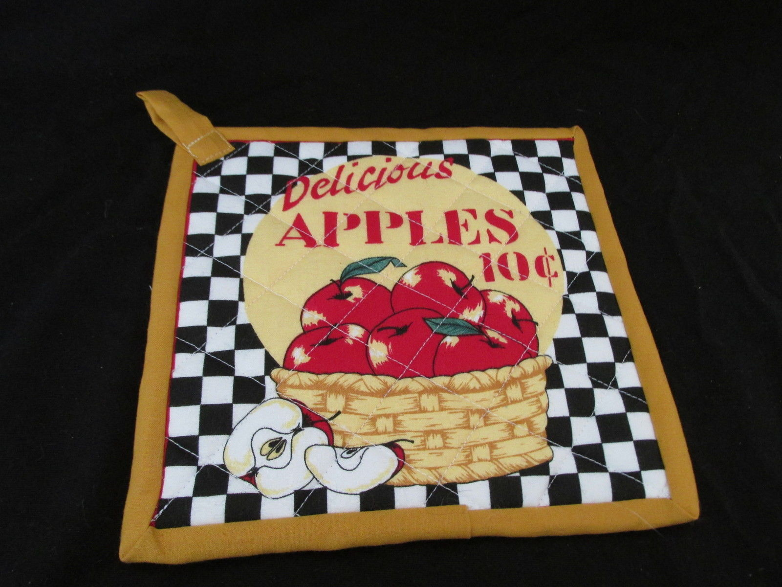 Quilted Potholders Handmade Lined with Insulbrite - Apples