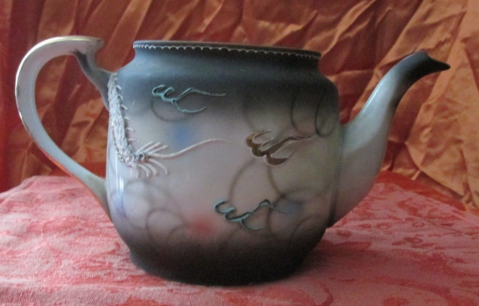 Japanese Dragonware Tea Pot w/Flaming Pearl (Moruku China) Moriage