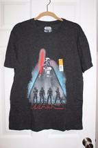 BNWTS DISNEY Star Wars T-shirt Medium DARTH VADER  - $12.86