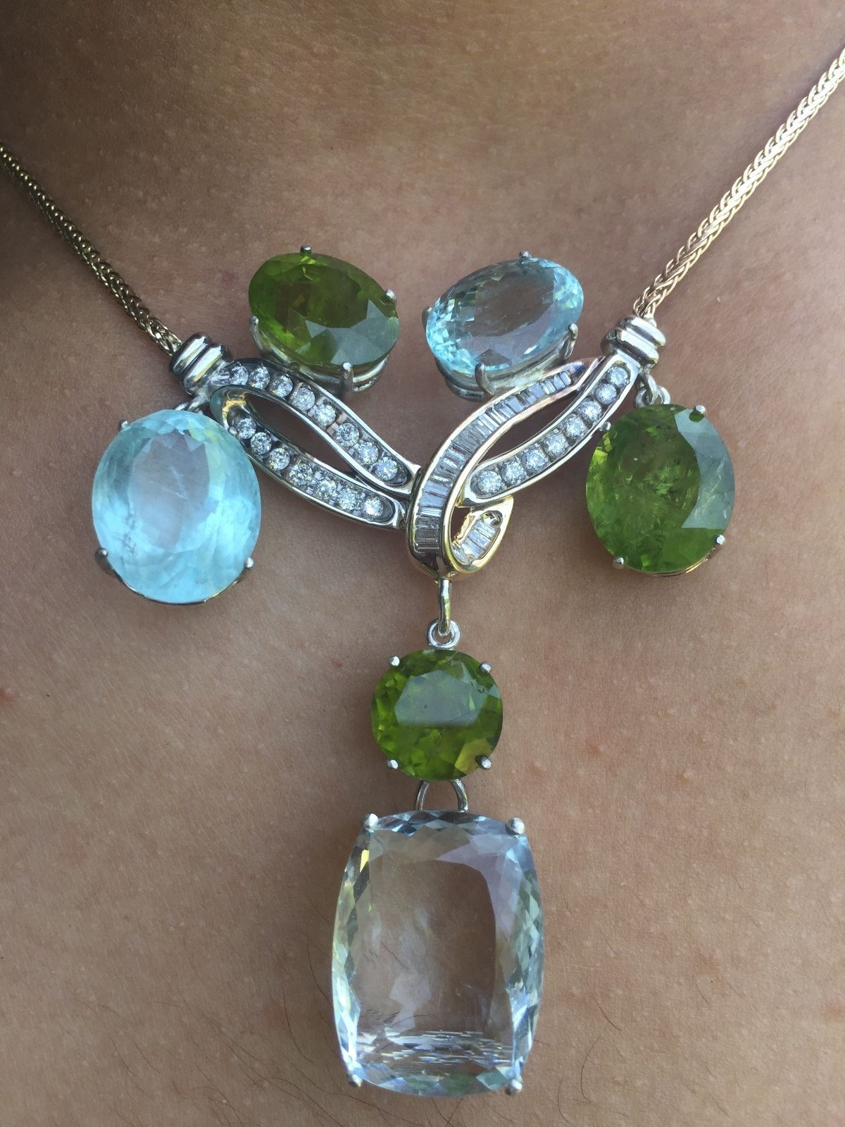 Estate Huge VS 71.48ct aquamarine peridot, 2.43 diamond 14k gold Choker necklace