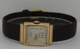 Vintage Cronow Hand-Winding 14K Yellow Gold Silver Dial Circa 1940s Watch - $579.50