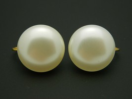Marvella Faux Pearl Gold Tone Round Clip Vintage Earrings - $16.82