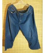 Bandolino Mandie Women Denim Capri Blue Jeans Size 16 Petite Short 36 x ... - $19.59