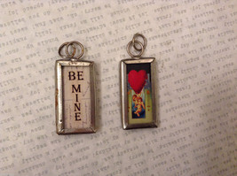 2 sided charm tag in metal frame vintage style - Be mine / Cupids with big heart