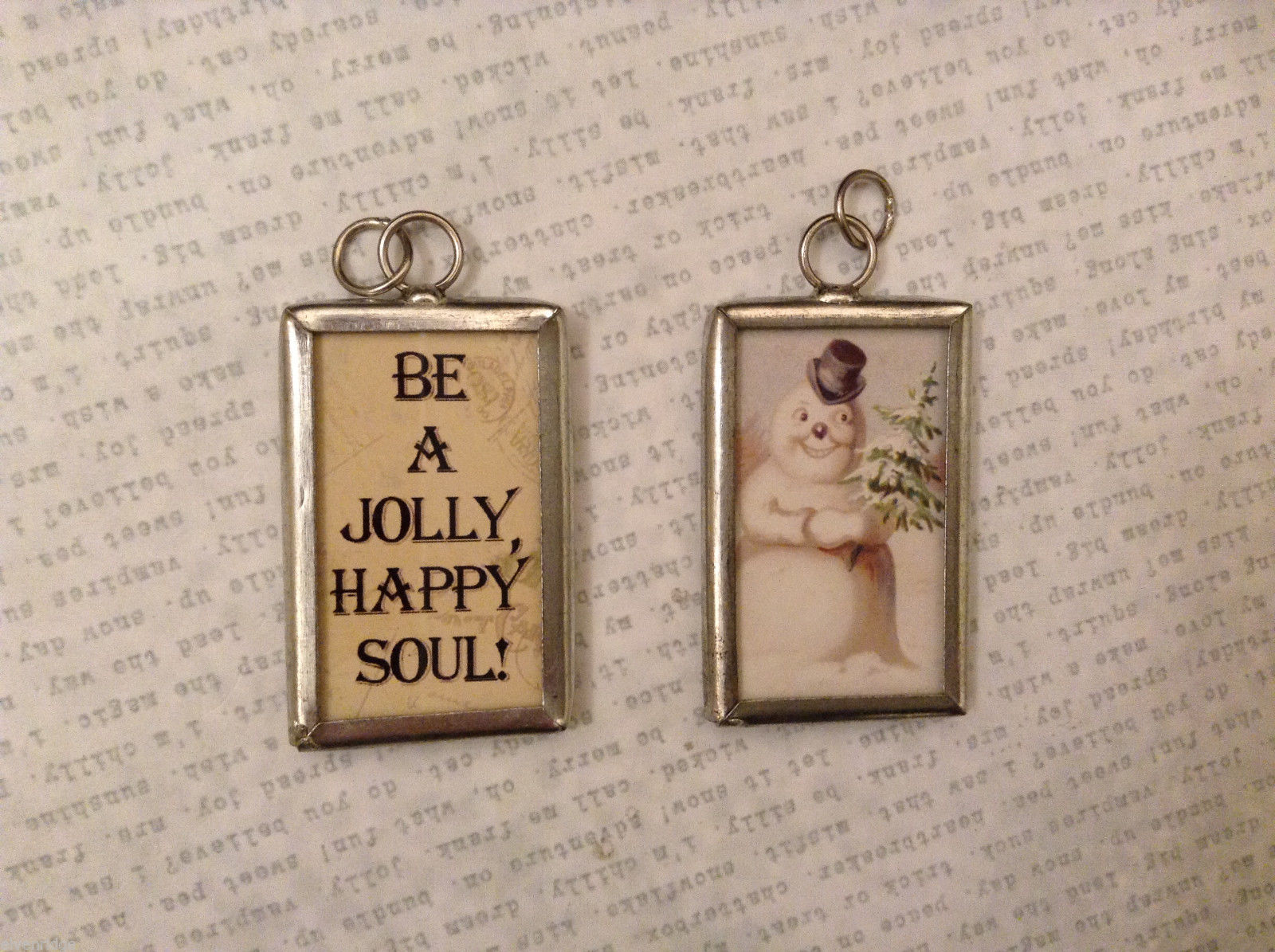 2 sided charm tag in metal frame vintage style - Be a Jolly Happy soul / Snowman