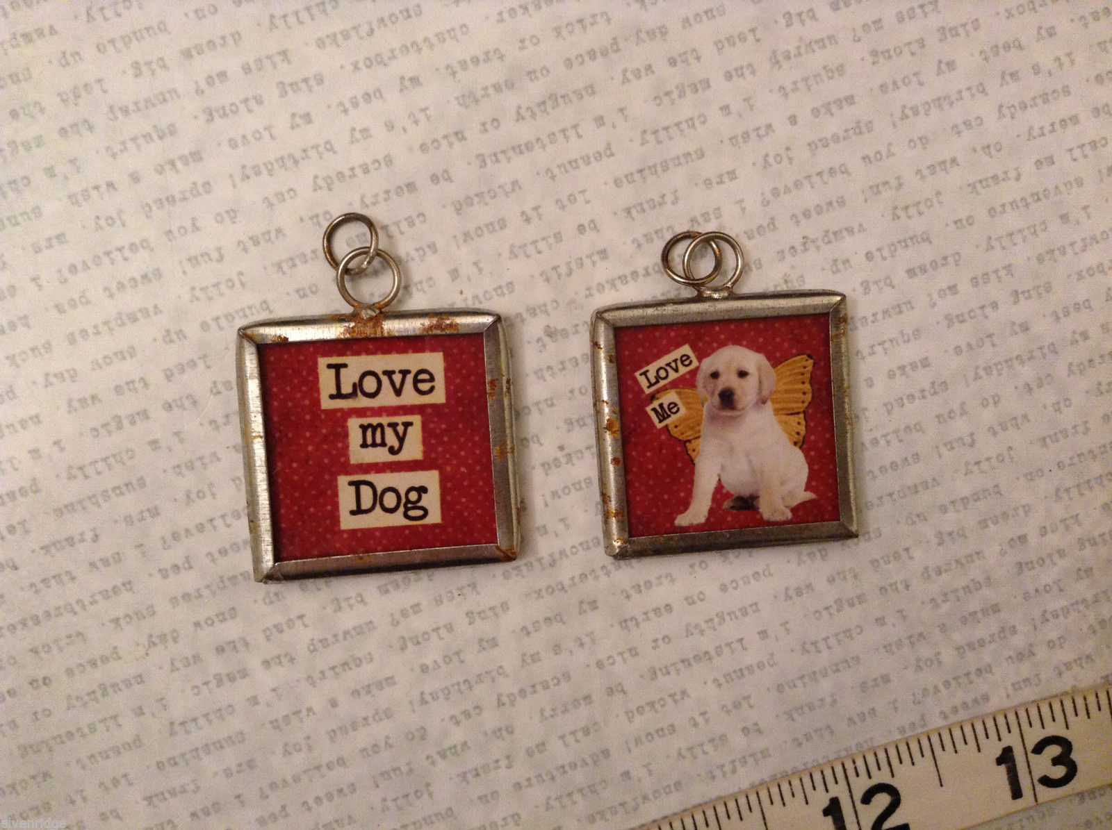 2 sided charm tag in metal frame vintage style - Love my dog / Love me - Puppy