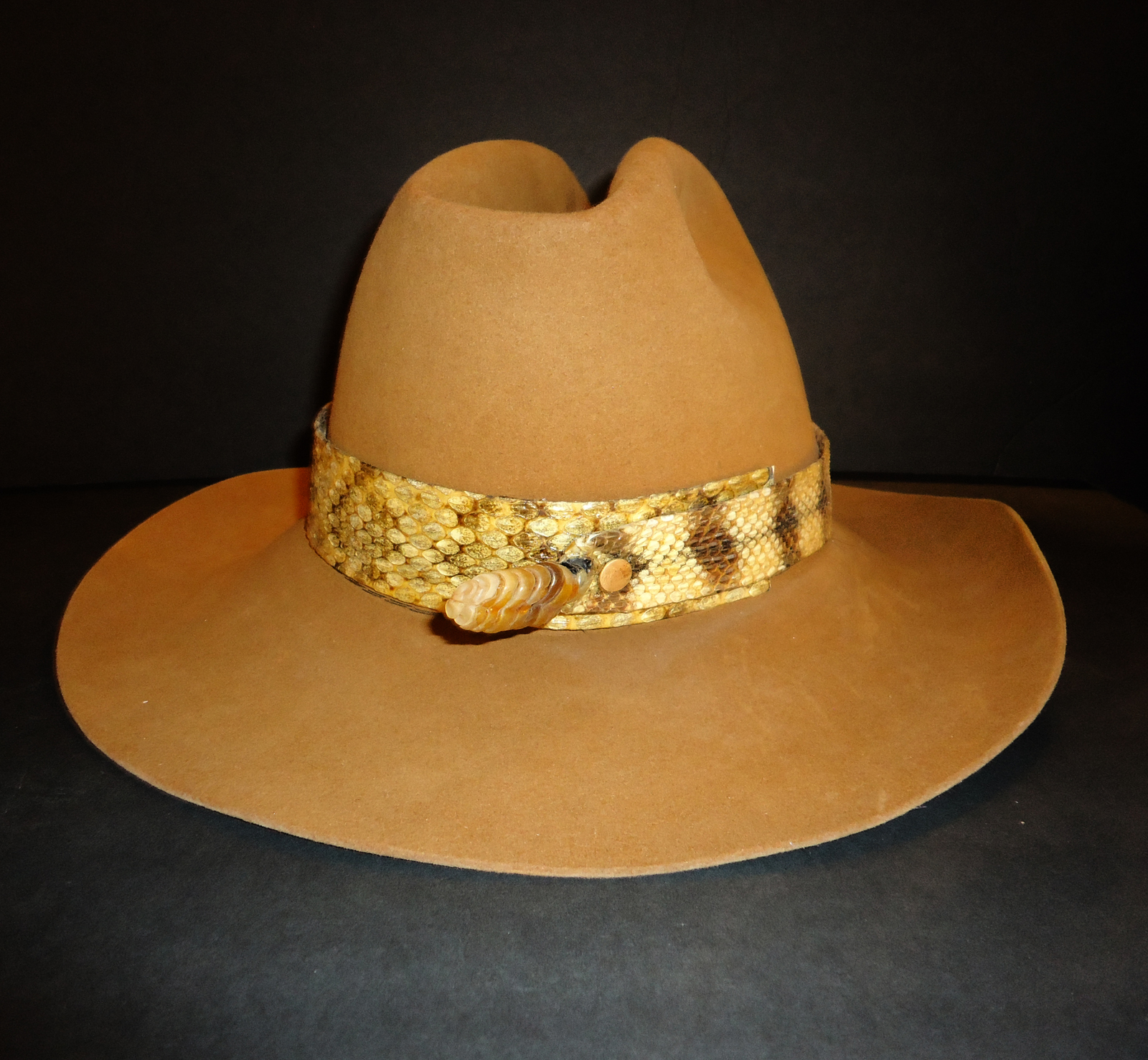 Rattlesnake hat Resistol cowboy diamond back Snake Mens size 7 camel color Luskl