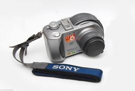 Sony Mavica MVC-CD300 3.3 MP Digital Camera 6X Optical Zoom - $44.99