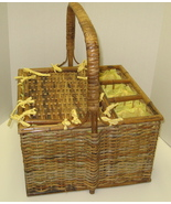 Gorgeous Large Lined Picnic/Baby/Wedding Shower Basket - $32.00