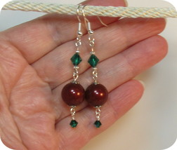 made w Swarovski Crystal Pearl Elements Brown w Green Accent Earrings HM - $13.86