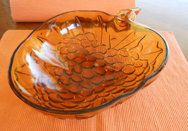 VINTAGE INDIANA GLASS AMBER HEAVY GRAPE THEMED SERVING BOWL-SEE PICS - $24.99
