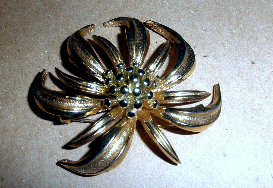 Vintage Marboux Pin