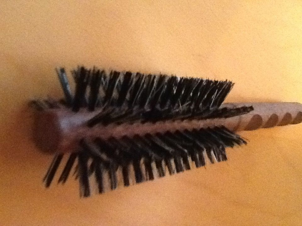 1.5 Pure Boar Bristle Rd Hair Brush new,  comfort wood carved grip by hairsense