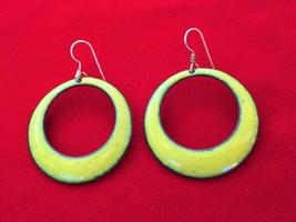 XX Cool Vintage 1960's Modernist Green Chartreuse Enamel on Copper Hoop ... - $21.28