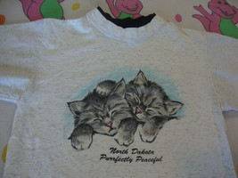 Vintage North Dakota Peaceful Cute Cat Sleepy Kittens Double collar T Shirt M - $16.82