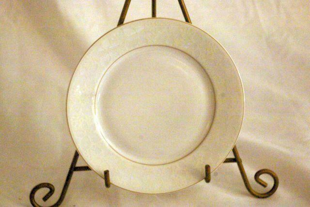 "Primary image for Rosenthal White Velvet Bread Plate 6 1/4"" Continental Line Gold Trim"