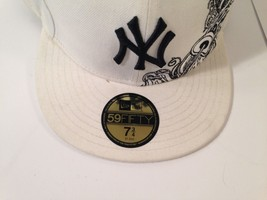 """NEW YORK YANKEES New Era 59Fifty Fitted WHITE Hat 7 3/4"""" *EUC* *FREE SHIP* image 2"""