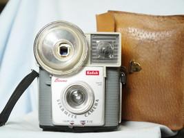 Kodak  Brownie Starmite Cased  Vintage  Camera   - Nice - - $20.00