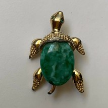 Vintage Gerrys Gold Tone Turtle Green Mottled Peking Glass Style Cabocho... - $19.75