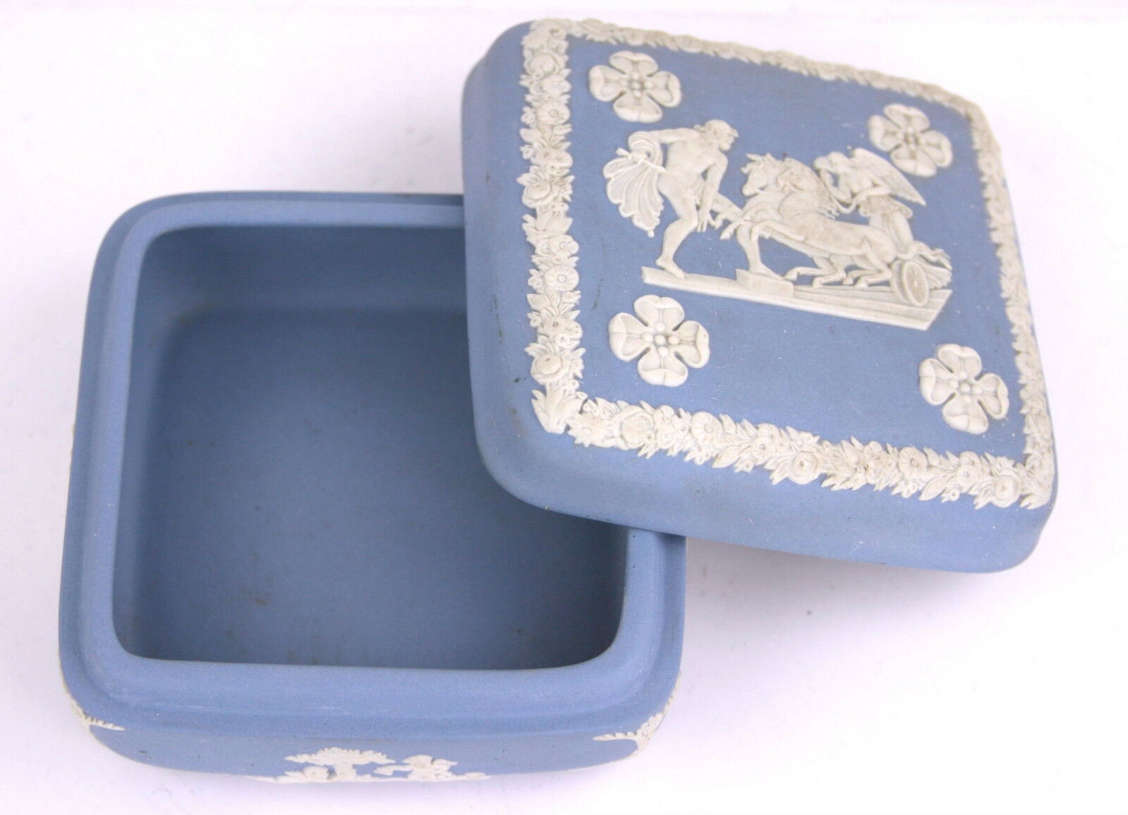 Wedgwood Blue Jasperware Square Ulysses Classical Chariot Race Trinket Box B12 image 5