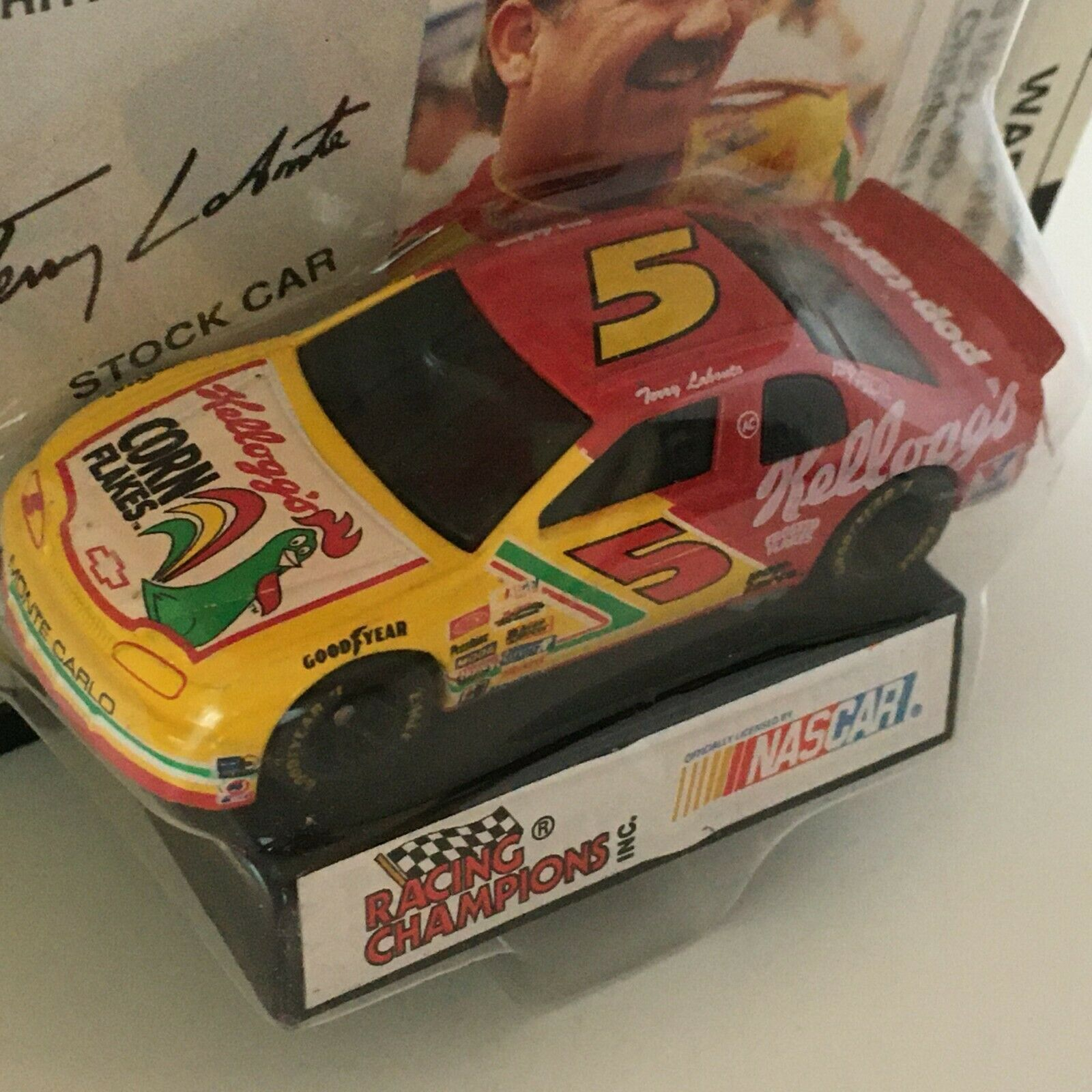 Primary image for Racing Champions Terry Labonte #5 Nascar Stock Car Toy 1995 Kelloggs Corn Flakes