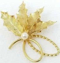 Vintage Gold Color Holly Leaf Bunch Pearl Center Rope Bottom Brooch Pin - $12.82