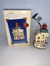 Hallmark Keepsake Lighthouse Greetings #8 In Series Flashing Light 2004 - $12.50