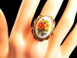 Vintage avon flower floral poison locket ring size 7.5 - $8.86