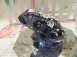 FENTON ART GLASS 2002 VIOLET FROG FIGURINE W/HP WHITE FLOWERS D. WRIGHT - $42.00