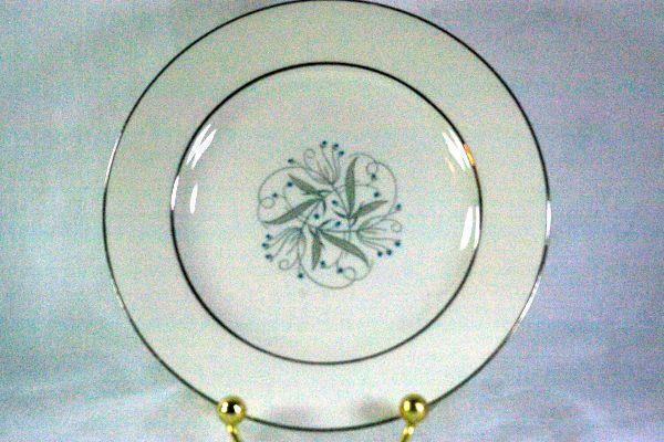 """Homer Laughlin Celeste #B1447 Bread Plate 6 1/4"""""""