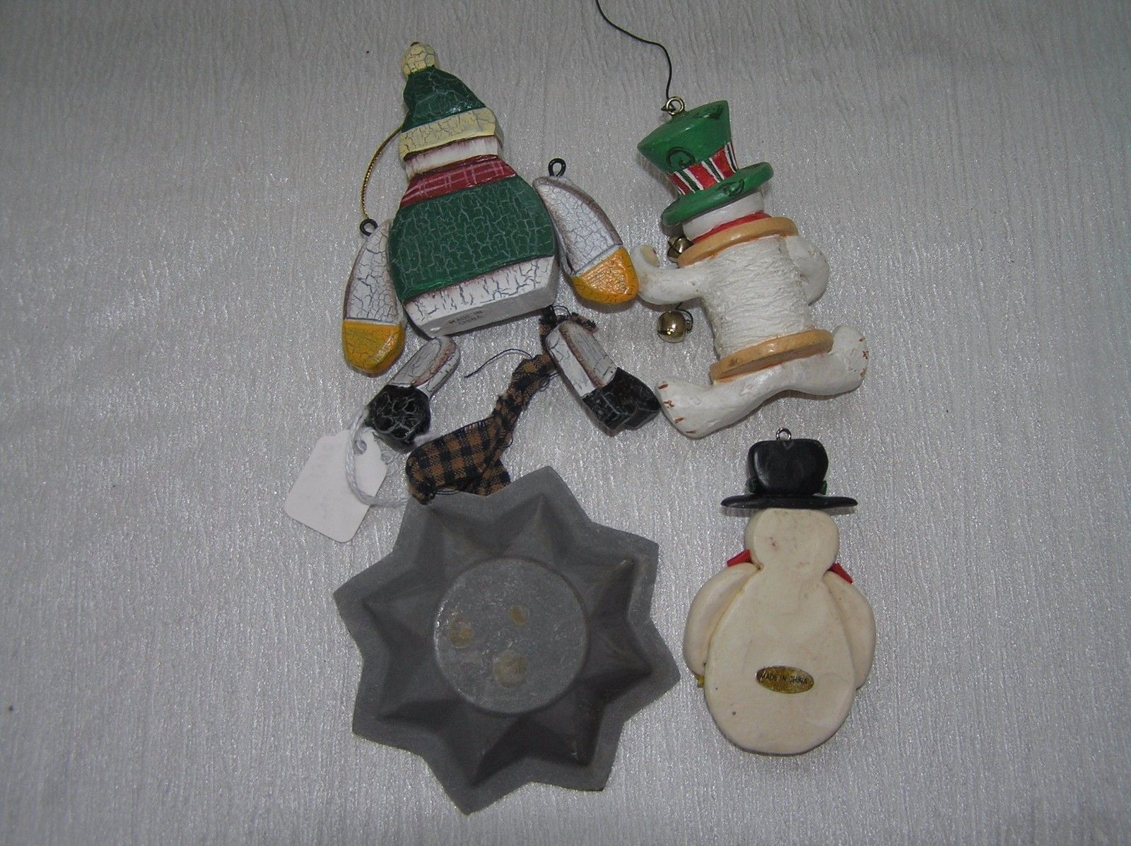 Lot of 4 Wood Dangling Plastic Spool Resin & Painted Metal Star SNOWMAN Christma