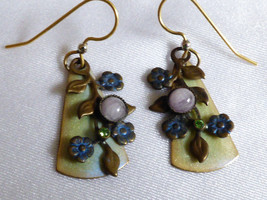 VTG handcrafted dainty floral leaf Amethyst stone dangle Earrings - $17.82