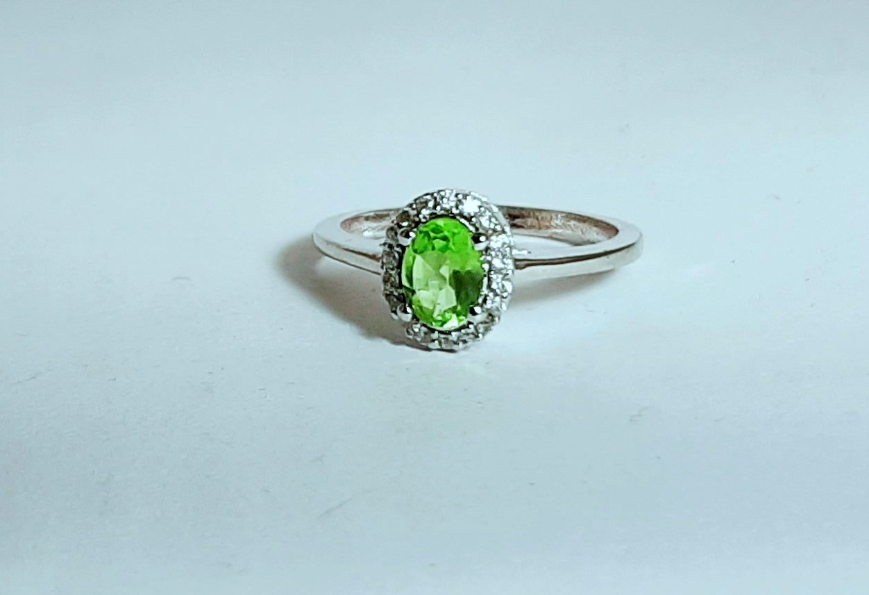 925 Sterling Silver Natural Peridot And Cz Gemstone Artistic Design Handmade Wom