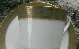 Royal Doulton Gold Green Trim Belvedere H5001 Cup & Saucer Set Footed MINT!! - $19.79