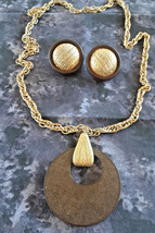 Vintage Large Wood Pendant Gold Tone Necklace & Clip On Earrings Set - $15.00