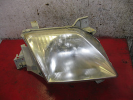 00 01 Mazda mpv oem passenger side right headlight  assembly - $24.74