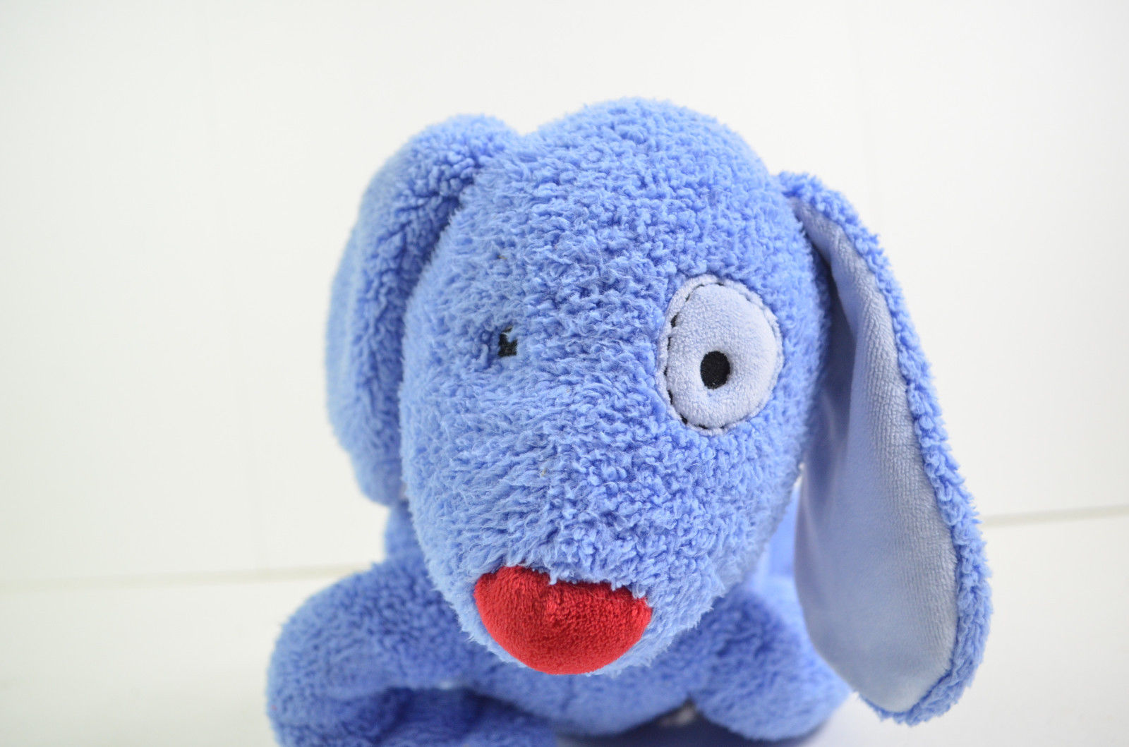 pottery barn kids gund blue dog red nose collar stuffed animal baby toy 45655 gund. Black Bedroom Furniture Sets. Home Design Ideas