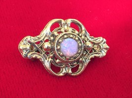 Vintage 1980's Victorian Style Gold Tone Brooch Pin w/ Glass Faux Opal C... - $11.64