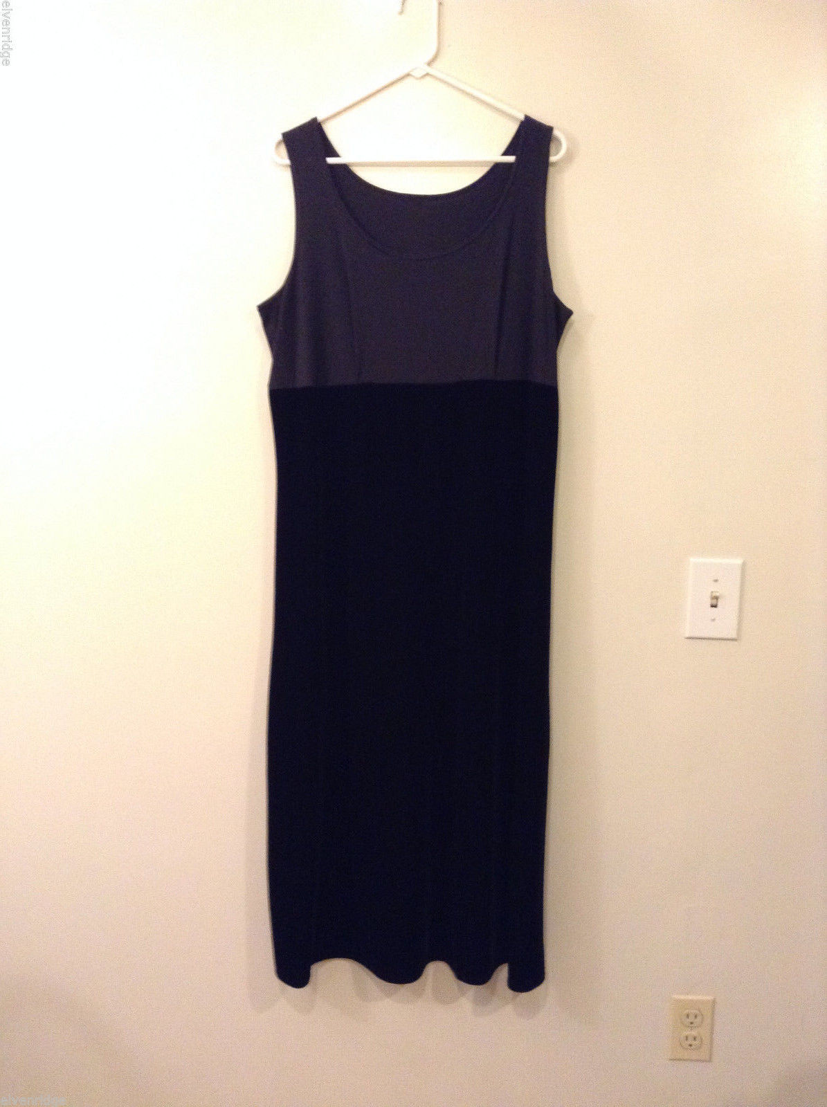 Black Sleeveless Tank Top Style Velvet Bottom Plain Fabric Top Dress, size XL