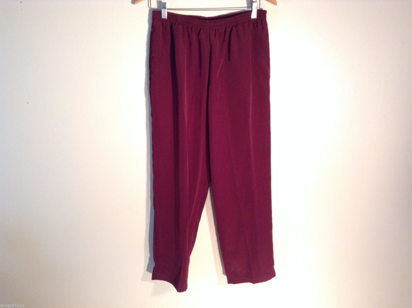 Womens WIllow Ridge burgundy size M-petite casual pants elastic waist 100% poly