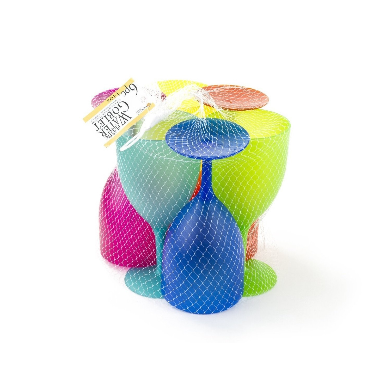 Plastic wine glasses picnic