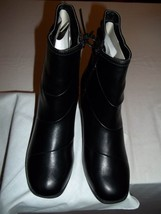 Valley Lane Model#160730-12 Black Faux Leather Boot Shoes- 6W - NEW  - $29.99